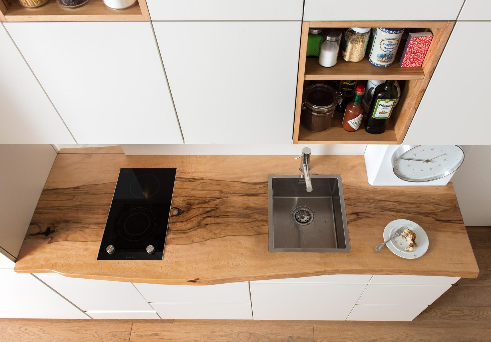 holzgeschichten die wohnung w und die bergbuche vom sonntagshorn. Black Bedroom Furniture Sets. Home Design Ideas